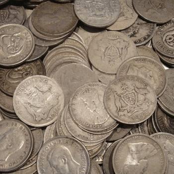 1kg Bags of Pre 1946 Australian Silver Shillings (92.5%)